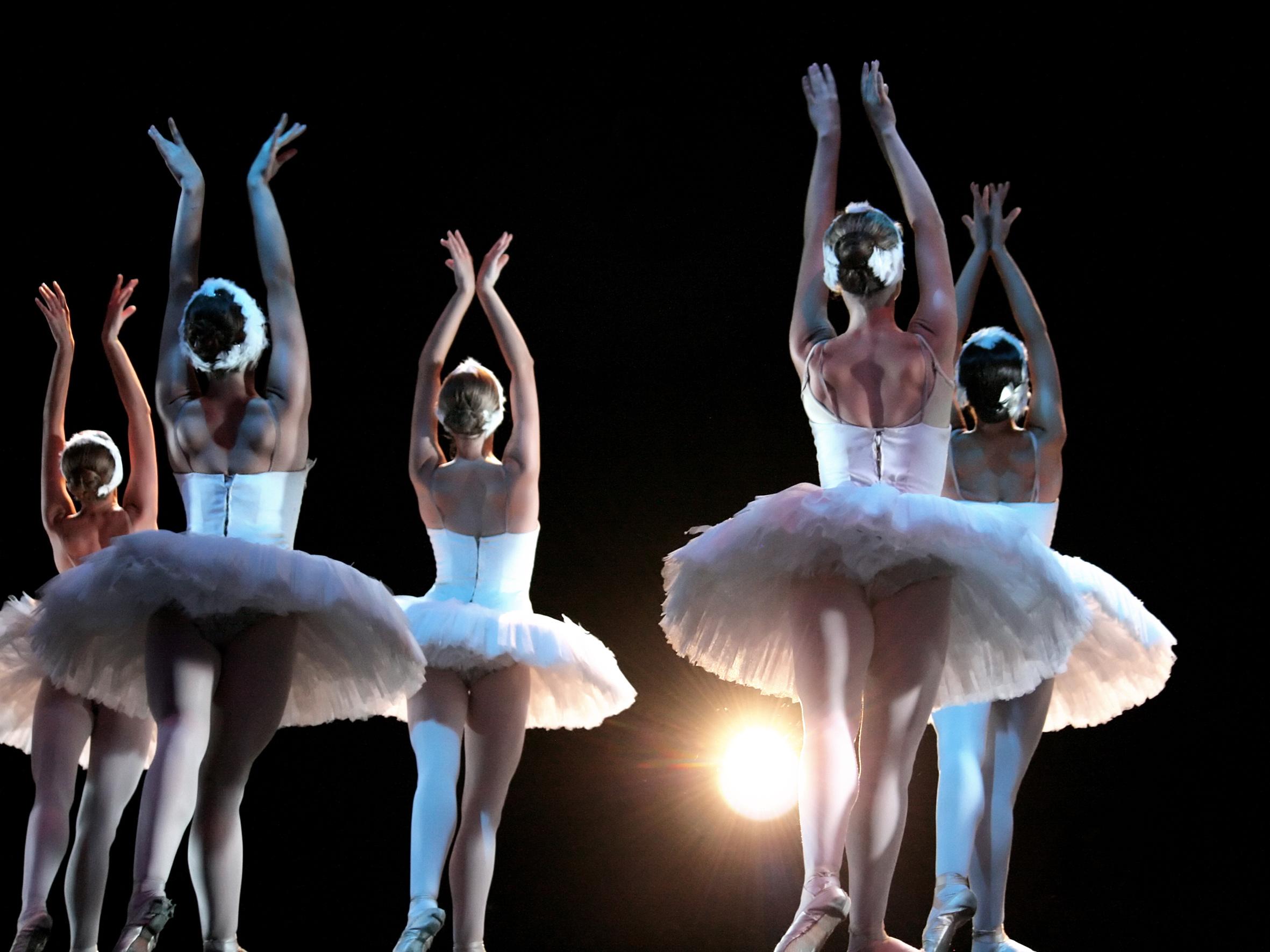балерины на сцене картинки транспорта шаговой