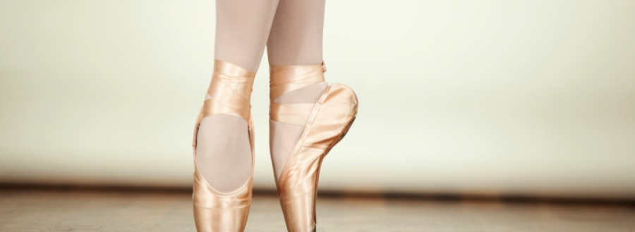 A ballet dancer's feet on pointe