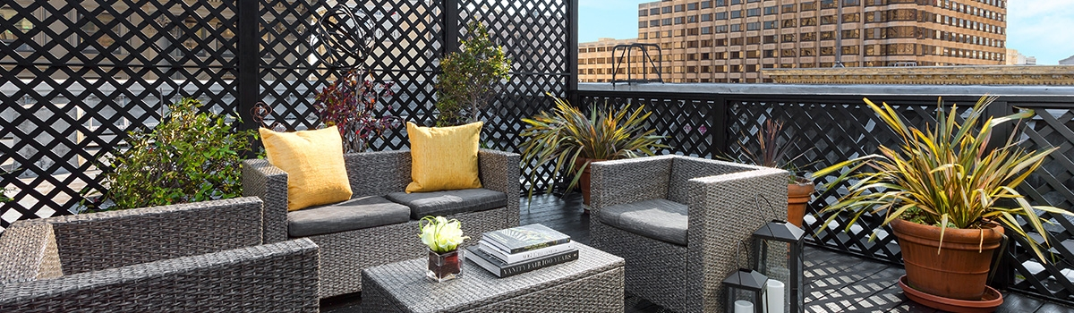 Outdoor seating at Hotel Union Square - a San Francisco Hotel